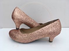 Wonderful Screen copper Rose Gold Hair Suggestions Issues looked at the wild hair coloration trends about your social media channels feed lately, then Glitter Wedding Shoes, Bridal Wedding Shoes, Bridal Heels, Glitter Shoes, Gold Glitter, Gold Wedding, Wedding Dresses, Gold Kitten Heels, Gold Heels