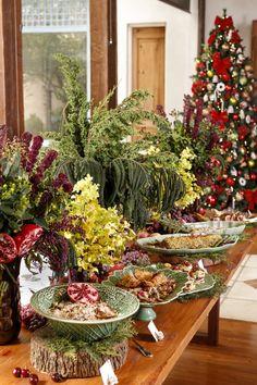 Ceia de Natal com louças verde da Bordallo Pinheiro.