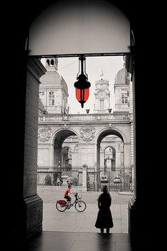 Lyon - Through the arcade by Bluemanta69, via Flickr