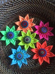 Felt Flowers, Handmade Accessories, Jewelry, Tela, Flowers, Jewlery, Jewels, Jewelry Supplies, Jewerly