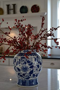 Home Decoration Homemade 53 Trendy Kitchen Blue Red White Dishes.Home Decoration Homemade 53 Trendy Kitchen Blue Red White Dishes Decor, Blue Christmas Decor, Ginger Jars, White Decor, Floral Arrangements, Home Decor, Blue White Decor, Blue And White, White Christmas Decor
