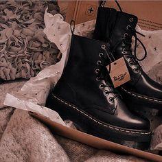 Dr Shoes, Hype Shoes, Sock Shoes, Me Too Shoes, Shoe Boots, Shoes Heels, Shoe Bag, Vans Shoes, Dr. Martens