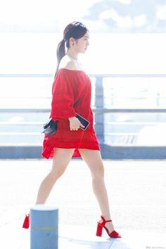 Irene-Redvelvet 180622 Incheon Airport to NewYork Seulgi, Extended Play, South Korean Girls, Korean Girl Groups, Shop Red Dress, Kpop Mode, Cute Red Dresses, Red Velvet Irene, Velvet Fashion