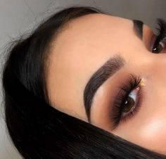 In 5 steps to the perfect Smokey Eye Makeup - augen make up - Beauty Makeup Hacks, Makeup Trends, Makeup Inspo, Makeup Inspiration, Makeup Tips, Beauty Makeup, Makeup Ideas, Huda Beauty, Makeup Products