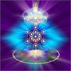 El Chakra Del Corazón Anahata Chakra  es localizado entre la Garganta y el Corazón, Es un catalizador para Despertar el Conocimiento Más alto. Esto es el elemento Fuego y los colores asociados con este Chakra son el Magenta,, Blancos y Turquesa. Cuando este Chakra esta abierto y equilibrado, se tiene  acceso a los Niveles más altos  Espirituales de Conciencia . Hay un eslabón fuerte , así como un Amor Devoto por lo  Divino (el Arte por la E. Balogh)