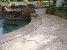 Outdoor Concrete Pool Decks Pictures - Galerie - Das konkrete Netzwerk The Garden Bench - An Invitat Stamped Concrete Pictures, Stamped Concrete Designs, Pool Decking Concrete, Pool Paving, Cement Patio, Types Of Concrete, Deck Pictures, Pool Remodel, Backyard Paradise