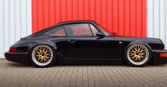 What a #throwback #porsche #badass911 #outlaw #tbt #carporn by #911outlaw credit: porsche-pics.com