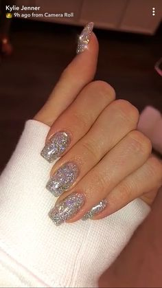 Prom nails, bling nails, my nails, nails silver glitter nails, Ongles Kylie Jenner, Uñas Kylie Jenner, Kylie Jenner Nails, Coffin Nails Designs Kylie Jenner, Jenner Hair, Silver Glitter Nails, Bling Nails, Fun Nails, Glittery Acrylic Nails