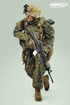 onesixthscalepictures: Very Hot USMC Rifleman : Latest product news for 1/6 scale figures (12 inch collectibles) from Sideshows Collectibles, Hot Toys, Medicom, TTL, Triad Toys, Enterbay and others.