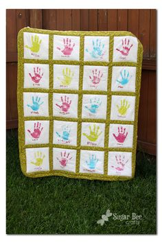 LOVE THIS! - Sugar Bee Crafts: sewing, recipes, crafts, photo tips, and more!: Handprint Quilt - Teacher Gift