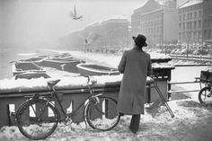 by Henri Cartier-Bresson Hamburg, 1952-53.