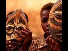 Murrettu väri  afrikkalainen naamio, video 3:52. African Art Projects, 4th Grade Art, Africa Art, Art Lessons Elementary, Middle School Art, Art Classroom, African Masks, Art Education, Videos