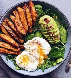 Yummy breakfast for a healthy boost Delicious snack Healthy eating fitness Inspirational yum food delicious healthy breakfast meal happy yummy yum good eating fuel. Healthy Meal Prep, Healthy Snacks, Healthy Eating, Healthy Recipes, Diet Recipes, Breakfast Healthy, Vegetarian Breakfast, Salad For Breakfast, Quick Recipes