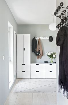 Wall design corridor: 60 creative decoration ideas for the corridor- Wandgestaltung Flur: 60 kreative Deko Ideen für den Flur Wall design corridor hallway wardrobe Ikea Hallway, Hallway Storage, Entry Hallway, Hallway Ideas, Garage Storage, Corridor Ideas, Hallway Paint, Hallway Shelf, Hallway Ceiling