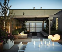 Sophisticated Urban Terrace | photo Angus Fergusson | design Ronald Holbrook & Associates | House & Home