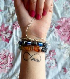 Tattoos-Designs-For-Girls-On-Wrist-5.jpg (400×450)