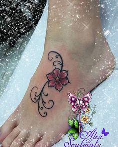 Little cute girlstuff 😄 #tattoo #aachencity #aachen #alexsoulmate #withlove #soulmatetattoo #girlstattoo #inkedgirls #girl #girlstuff #germantattooers #tattoodesign #tatuaje #tatoo #tat #tatouage #tattooart #beauty #mystyle #mädchenkram #ink #sweet #flowertattoo #flower #minitattoo #feet #tatts #littlestuff #littletattoo #linework
