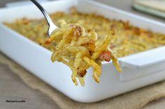 Le trofie al forno speck e noci sono un primo piatto davvero semplicissimo da preparare e dal gusto intenso ed invitante.