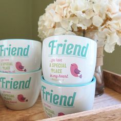 These lovely flower pots make for a perfect gift for a friend