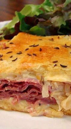 A pot pie made with refrigerated crescent roll crust has the flavors of a reuben sandwich. It's a great way to use up extra corned beef. Pillsbury Crescent Recipes, Crescent Roll Recipes, Crescent Rolls, Irish Recipes, Ww Recipes, Dinner Recipes, Cooking Recipes, Recipies, Entree Recipes