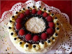 Mandlový dort s borůvkami