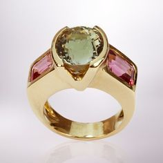 A important yellow gold  green and pink tourmalin ring