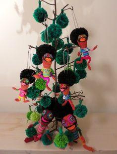 編みぐるみ作家 チクチクちりちりさんの作品 Wreaths, Christmas Ornaments, Halloween, Holiday Decor, Door Wreaths, Christmas Jewelry, Deco Mesh Wreaths, Christmas Decorations, Floral Arrangements