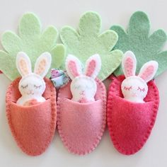 Sewing For Beginners Easy Sewing For Easter - 5 Fun and Easy Projects - Molly and Mama Kids Crafts, Easter Crafts, Felt Crafts, Easter Gifts For Kids, Easter For Babies, Easter Ideas, Clay Crafts, Easter Projects, Sewing Projects For Beginners
