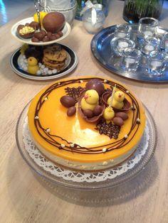 #sisustusminna #sisustussuunnitteluminna #teinite #kakku #juustokakku #pääsiäinen #synttärit #keltainen #cheesecake #cake #birthday #easter