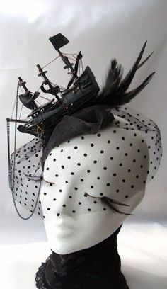 Steampunk fascinator with little black ship and veil Mode Bizarre, Steampunk Pirate, Fantasias Halloween, Mode Blog, Look Vintage, Hat Hairstyles, Victorian Gothic, Up Girl, Lolita Fashion