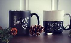Idea regalo per San Valentino: Tazza Lavagna Fai da Te. Le tazze lavagna sono una simpatica idea regalo personalizzata e facile da realizzare per San...