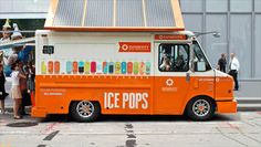 This solar-powered truck gives out free popsicles and promotes residential solar service. It used to be a mail carrier truck in a past life… talk about a transformation! #GoGreen #MobileRetail #SummerLoving