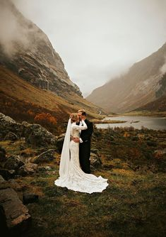 15 Gorgeous Photos to Inspire Your Fall Elopement is part of Elope wedding Thank you to all of the amazing photographers who gave us a sneak peek into some of their favorite autumn moments over in o - Elope Wedding, Wedding Bells, Fall Wedding, Wedding Events, Dream Wedding, Wedding Dresses, Paris Wedding, Wedding Ceremonies, Fall Mountain Wedding