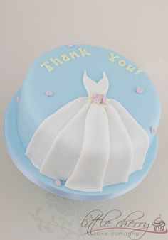 Thank You #Cake Pretty dress detail on a gorgeous blue! We love and had to share! Great #CakeDecorating!