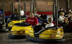 #NASCAR driver Ryan Newman visited Busch Gardens Williamsburg to greet fans and to trade paint with park guests at Der Autobahn. #BuschGardens #themepark #bumpercars #cars #fun
