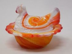 Miniature vintage press glass chicken salt vessel country house Easter table