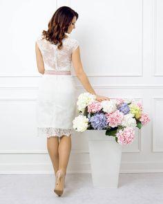 Le Moos Lace Skirt, Skirts, Fashion, Bridle Dress, Moda, Fashion Styles, Skirt, Fashion Illustrations