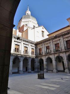 Claustro del Instituto de Enseñanza Secundaria San Isidro,  fundada en 1556 (Madrid)