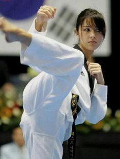 z1 kick girls martial arts 600 2 Kickstart your day in a sexy Martial Artsy way (60 Photos)