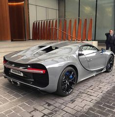 The Luxury Universe — Bugatti Chiron! 🔥 Awesome photo by Exotic Sports Cars, Cool Sports Cars, Sport Cars, Nice Cars, Exotic Cars, Mclaren Cars, Bugatti Cars, Mclaren P1, Funky House