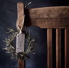 Old wooden chair and tiny rosemary wreath. - Old wooden chair and tiny rosemary wreath. Natural Christmas, Noel Christmas, Country Christmas, Simple Christmas, Winter Christmas, All Things Christmas, Xmas, Beautiful Christmas, Navidad Natural