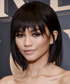 kurze Frisuren - Stylists say these will be the best short haircuts for 2018 Byr. - kurze Frisuren - Stylists say these will be the best short haircuts for 2018 Byrdie - Short Haircuts With Bangs, Short Haircut Styles, Short Bob Hairstyles, Hairstyles With Bangs, Casual Hairstyles, Pixie Haircuts, Short Hair Cuts For Women With Bangs, Medium Bob With Bangs, Braided Hairstyles