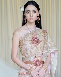 CULTURE // Some of you may know that I am Lao and this is very similar to the Thai culture. This is a wedding outfit which I think is… Traditional Thai Clothing, Traditional Fashion, Traditional Dresses, Laos Wedding, Thailand Wedding, Cambodian Wedding, Khmer Wedding, Thai Wedding Dress, Wedding Dresses