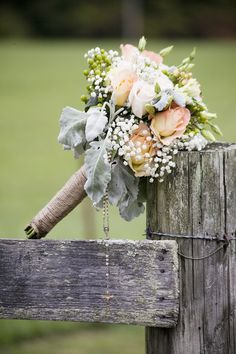 Rustic Wedding Bouquet ... Wedding ideas for brides, grooms, parents & planers ... https://itunes.apple.com/us/app/the-gold-wedding-planner/id498112599?ls=1=8  ... plus how to organise your entire wedding ... The Gold Wedding Planner iPhone App ♥