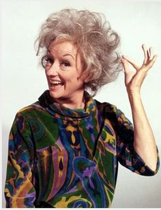 The world will miss Phyllis Diller.what a groundbreaker for women in comedy. I idolized her when I was a kid. Tv Actors, Actors & Actresses, Famous Comedians, Phyllis Diller, Carol Burnett, Thanks For The Memories, After Life, Before Us, Celebs