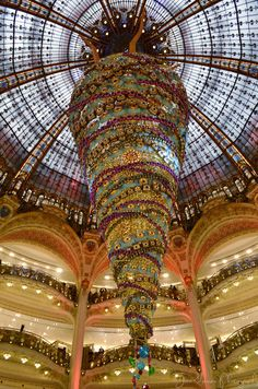 Tara Goes Europe: Paris, France: Day 5. Galeries Lafayette. Read about spending Christmas in France!
