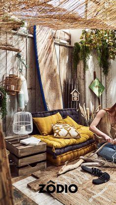C'est l'été, les températures remontent, c'est le moment de vous réapproprier votre extérieur, que vous ayez un jardin ou une terasse, laissez-vous aller à la détente pendant cette période estivale. Retrouvez nos essentiels déco été tendances et bohèmes en magasin et sur Zodio.fr ! Outdoor Furniture, Outdoor Decor, Moment, Lemon, Yellow, Bed, Home Decor, Exterior Decoration, Trends