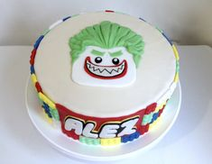Pastel Joker Lego Lego Batman Cakes, Lego Cake, Birthday Cakes, Birthday Ideas, Birthday Parties, Joker Cake, Batman Party, Cupcakes, Rowan