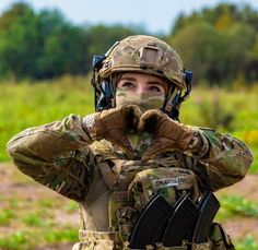 Female Cop, Female Soldier, Military Girl, Military Fashion, Combat Pants, Airsoft Gear, Hunting Girls, Scorpio Men, Military Pictures