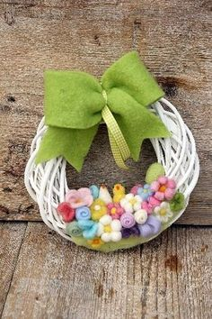 Composizioni Floreali Decor Crafts, Diy And Crafts, Shabby, Happy Easter, Needle Felting, Crochet Patterns, Wreaths, Spring, Handmade
